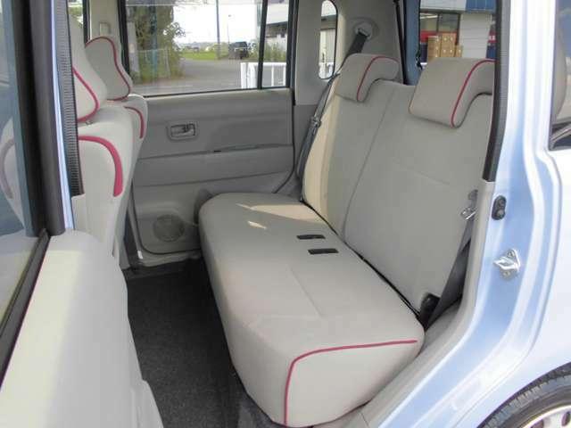 リヤシートも厚みがあり座りやすいです