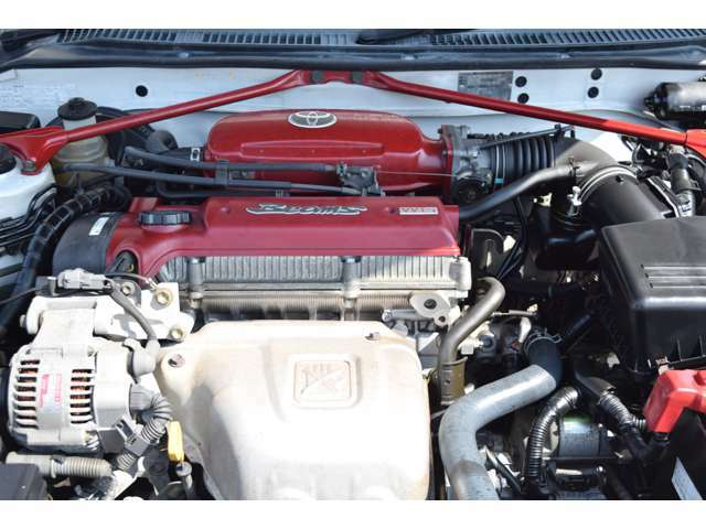 後期・赤ヘッドの3S-GEエンジンです。