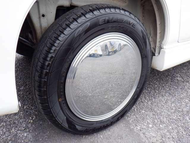 タイヤの溝もまだまだ大丈夫☆格安タイヤも販売しておりますので、お気軽にご相談下さい!!