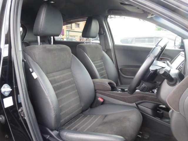 全車、弊社専門スタッフによる内外装クリーニングを実施しております。綺麗な状態でご納車いたします。