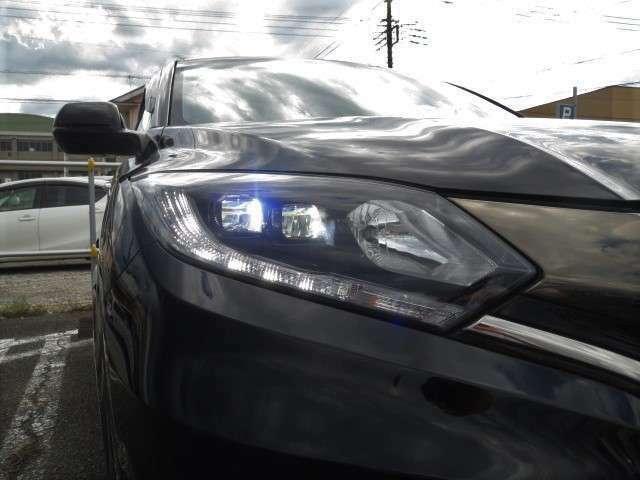 LEDライトで夜間の運転も安心です!