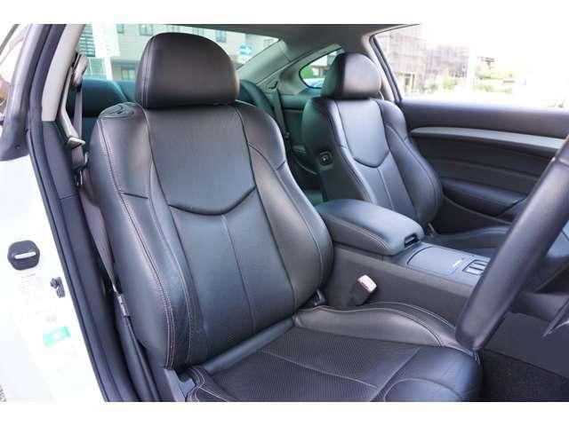 ★【黒革パワーシート&ヒーター】運転席のコンディションも良好です!!★
