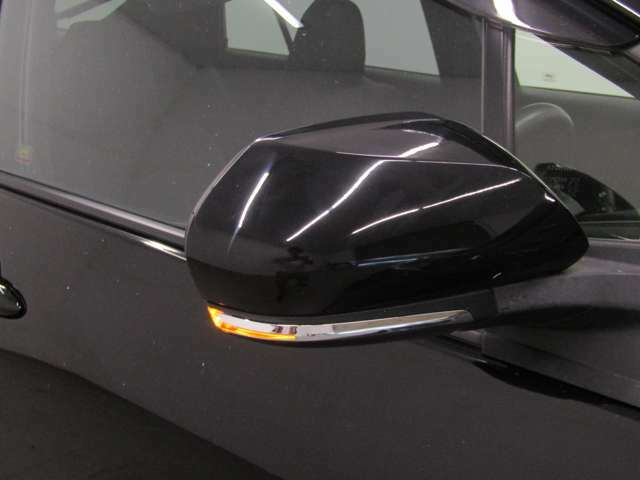 スマートキー・新品フルエアロ・17インチAW・LEDヘッドライト・LEDフォグランプ・LEDテールランプ付でエクステリアもドレスアップ済!キマってます!!