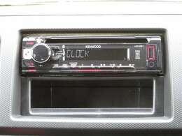 社外CDデッキ付きです。音楽を楽しみながらのドライブ、いいですね♪ナビの取り付けもお気軽にご相談ください。