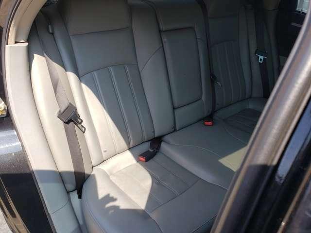 ☆インパネ類、シフト廻り、ドア内張り、ハンドルなどの傷みやすい箇所のマイナス点もほぼ御座いません。