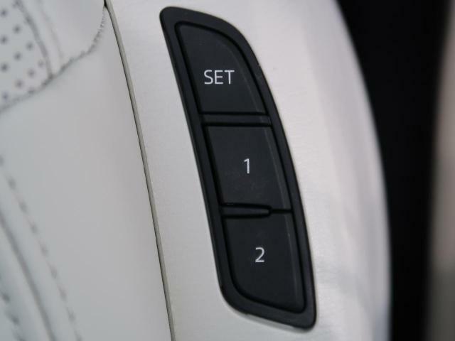 ●【メモリー機能付きパワーシート】装備!ドライブ時、休憩時などケースに合わせて記憶させておけばとても便利です♪ボタン一つで状況に合わせたシート位置に出来ます♪