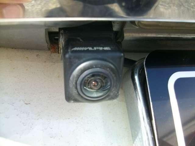 バックカメラ付きで安心!バックモニタ-もアルパインで綺麗です!センサーも付いてます。