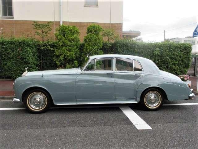 1964年モデル ロールスロイス シルバークラウドIII 右ハンドル クーラー装備