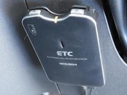 """今や必須アイテムのひとつ""""ETC""""付き☆高速道路ではゲート通過時に現金を用意する必要がないのでスムーズに走行できます!割引もあるのでお財布にも優しいですね♪"""