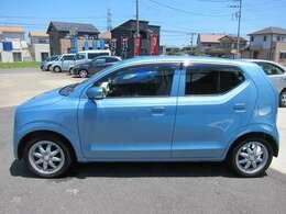 可愛らしいライトブルーのお車です!!