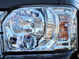 メーカーオプションで、LEDヘッドライトが装備されています!