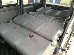 ☆フルフラットにも出来ます!ステルス静岡では寝心地を良くするため、セカンドシートに加工を加えて、よりフラットになる特別バージョンにしています。