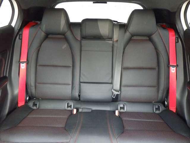 高級感のあるレザーインテリア!質感・風合い、座り心地を兼ね備えたすばらしい内装です。
