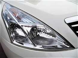 キレイなヘッドライト♪クリアな状態でキズもございません♪ヘッドライトがきれいだと車も新しく見えますね♪