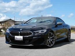 BMW 8シリーズ M850i xドライブ 4WD 赤/黒レザー カーボンルーフ