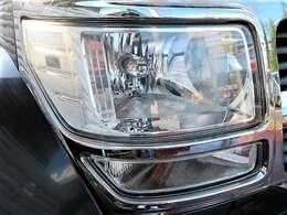 ヘッドライトはクリアでキレイ♪黄ばみやクスミ、クリア剥げ等なく状態良好です♪ヘッドライトがキレイだと車のイメージも良くなりますよね♪