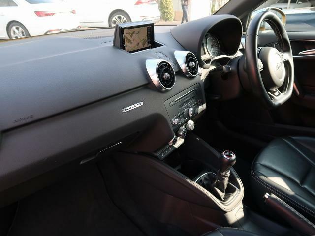 Audiのインテリアは優れたデザイン性とクオリティ、そして機能性を兼ね備えていることで高く評価されています。