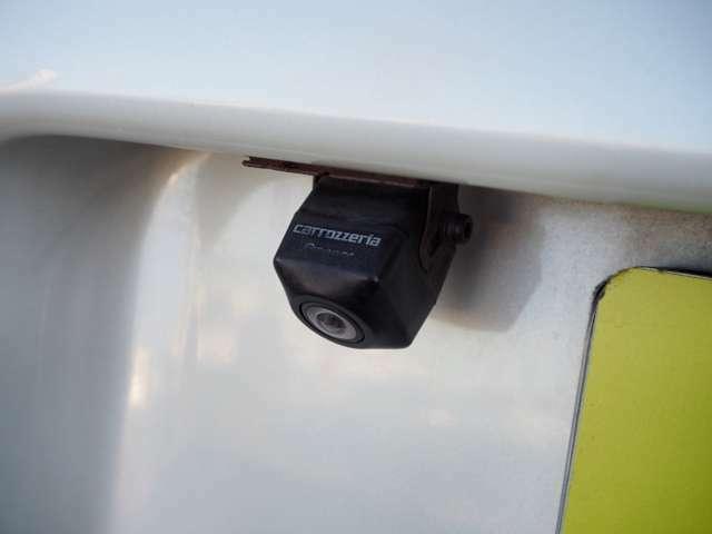 バックカメラ バックも楽々♪バックギア連動でモニターに映し出されます。広範囲に確認でき安心です。