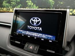 9インチ純正ナビ搭載!!DVD、CD、Bluetooth、フルセグTVなどの機能を大きな画面でご利用いただけます!!