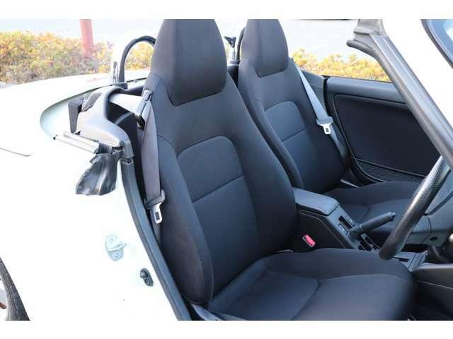 運転席シートの状態も非常に綺麗な状態です!