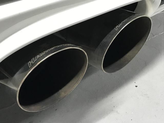 ハイパワーを誇る、ハイパフォーマンスSUV。さらにサブコン増設により高馬力を発揮するスーパーカー。コールドスタート時の専用マフラーに圧 巻です。