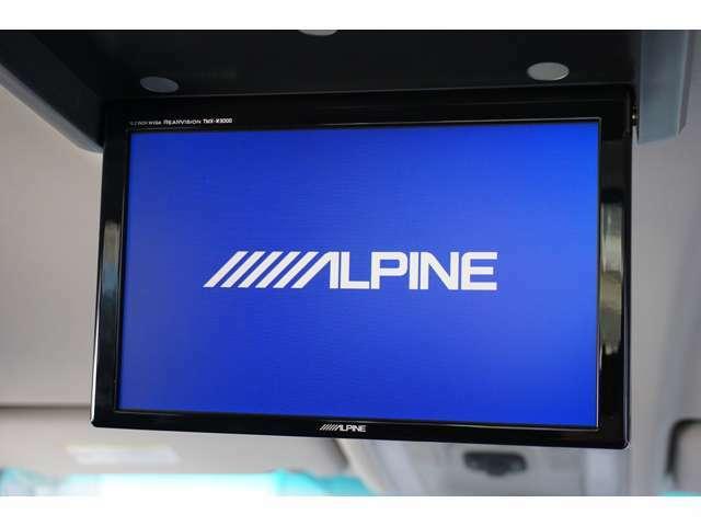 ★【ALPINEフリップダウンモニター】大画面で後席の方も快適ロングドライブ!!★