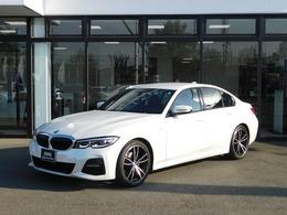 BMW 3シリーズ 320i Mスポーツ 黒革電動シート ACC ワイヤレス充電 LED