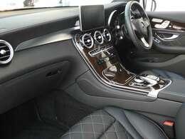 ブラックを基調とした車内にGLCクラスには希少なブラウンライムウッドインテリアトリムを採用!エディション1ならではの豪華装備で高級感を存分に堪能して頂けるインテリアになります!047-390-1919