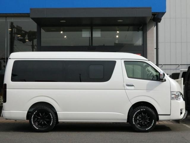 メーカーオプション多数盛り込まれ、乗り出しも安心して運転できる1台となっております!!