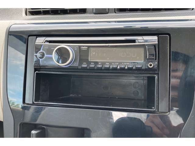クラリオンのCDオーディオを装備しています!!当店では各種カーナビやドライブレコーダーも取り扱っておりますのでぜひお申し付けください!!!