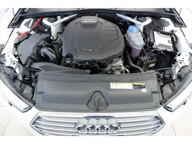 エンジンは排気量:1984cc直列4気筒DOHCインタークーラー付ターボを搭載しております。出力190PS、トルクは320Nm/1450-4200rpm を発生させるエンジンでございます。(カタログ値より)