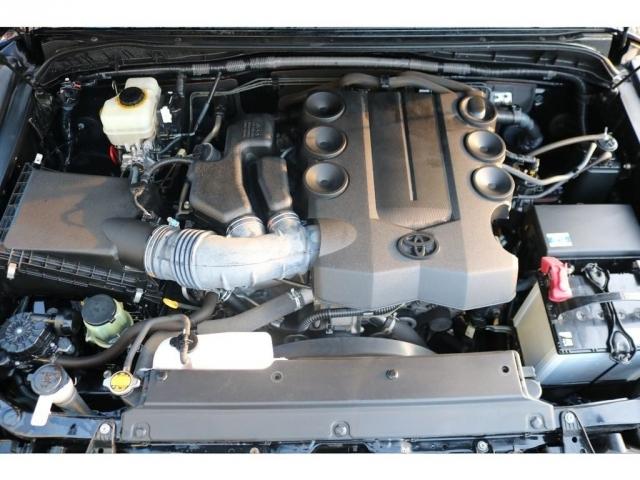 パワフルな走りが特徴です!V6・4000ccの1GRエンジン!