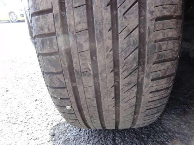 タイヤ溝もしっかりと残っておりますので、まだまだ安心してお乗りいただけます☆