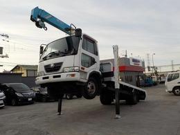 UDトラックス コンドル 4トン3段クレーン ロングジャッキ