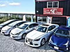 人気の国産ミニバンを中心に厳選された優良車両を多数展示!