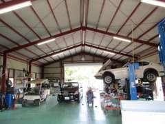 認証工場になります。車検・整備・お車のメンテナンスも当社にお任せ下さい♪