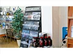 ホンダ車のアフターパーツ(カスタムパーツ)を専門に手がけるブランド『無限MUGEN』を取り扱っております!