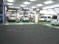 自社工場・上石神井テクノショップは徒歩0分のところにあります!充実の整備体制で安心のカーライフをお届けいたします♪♪