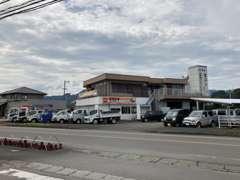 ☆第2展示場です!!こちらはトラックや商用車を展示しています☆