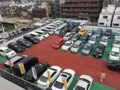 立体駐車場に約40台展示中!お探しの車が見つかるかも・・・