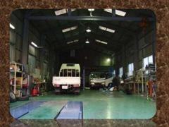 自社整備工場完備にて、車検・点検整備からご納車後のカーライフをサポートさせて頂きます!