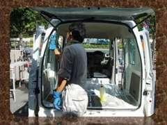 入庫したお車は徹底したクリーニングを実施!清潔感溢れる社内に仕上げております!