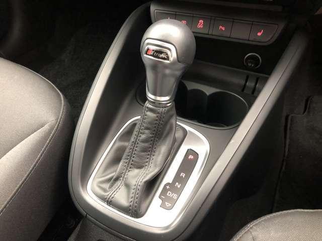 LIBERALAでは輸入車でも長期保証がご選択頂けます。「中古車は不安」というお客様の声にお応えし、お客様の安心安全のために業界最長の保証を実現致しました。
