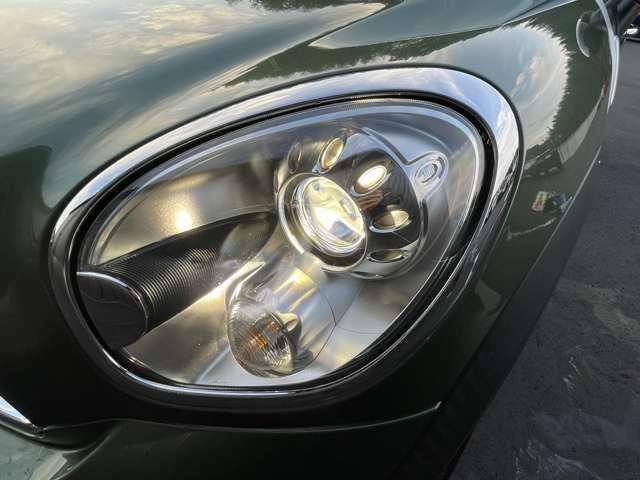SUVらしい力強いデザインのヘッドライト!