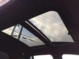 「サンルーフ」 解放感たっぷり♪天気の良い日は全開でドライブですね☆