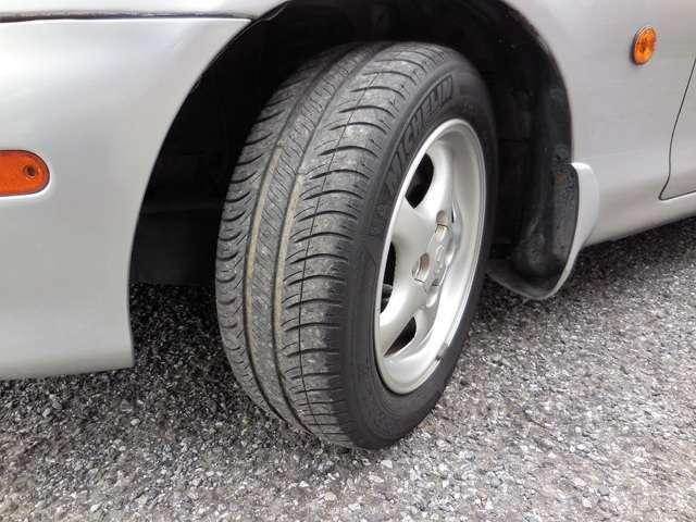 タイヤの山は6割程です。次回車検まで交換しなくて良いかも!?