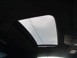 サンルーフ付いていて車内の爽快感もアップします!