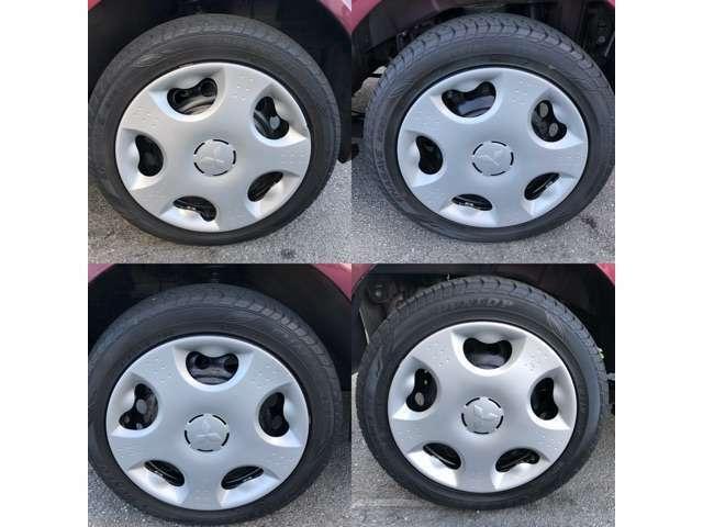 デザイン性に優れたホイールキャップ!タイヤも4本キレイですよ!