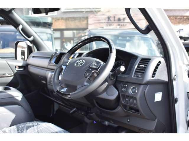 納車の際にはコーティングをおすすめしております。カスタムかーに最適なコーティングプランを提案させて頂き、いつまでもカッコ良くお乗り頂けます!ホイールやヘッドライトもコーティング可能です!