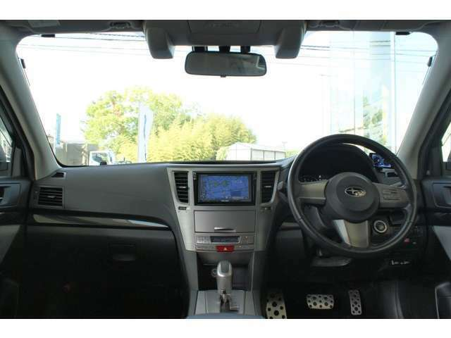 ♪^^)当店の掲載車は全車修復歴なしでございます。第三者機関JAAA 日本自動車鑑定協会のプロ鑑定師による厳格な鑑定書が全車に付きます(^^♪